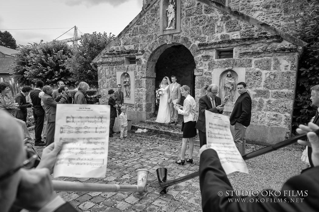 Reportage de mariage en noir et blanc Paris © Studio Oko Films